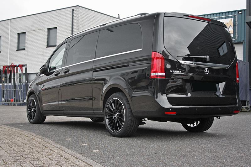Welp Mercedes-Benz Vito met GMP Stellar Black with polished lip velgen HI-56