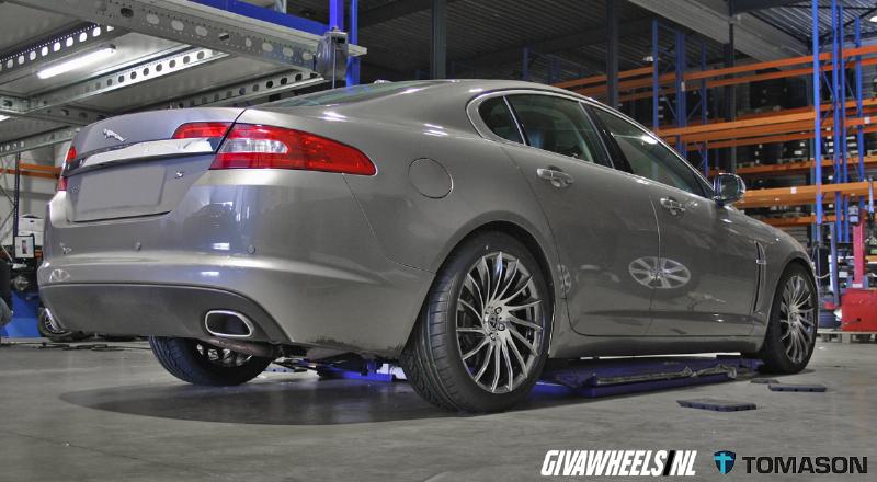 Jaguar Met Tomason Velgen Giva Wheels Bv Velgen En Banden
