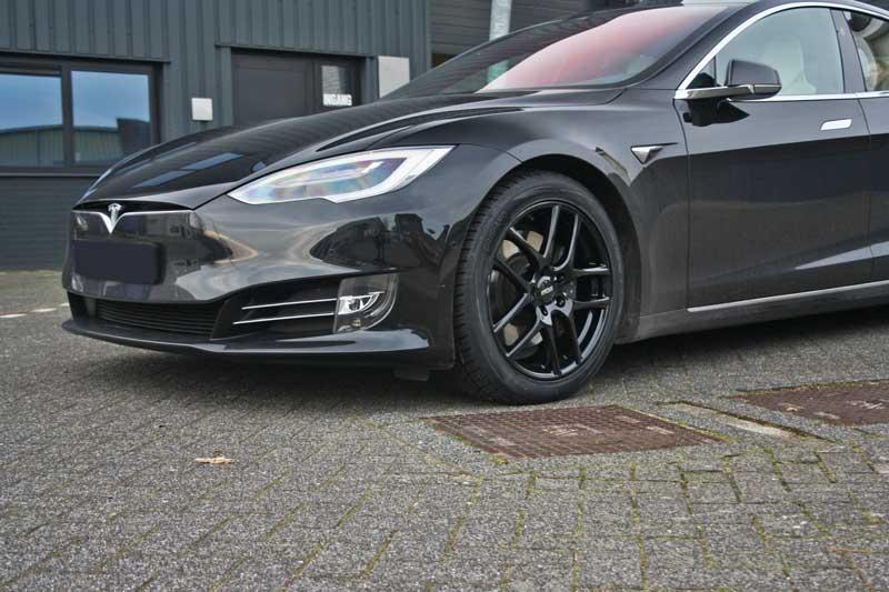 Tesla Model S Met Oxxo Vapor Gloss Black Velgen Giva